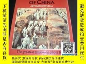 二手書博民逛書店【罕見】THE FIRST EMPEROR OF CHINA 中