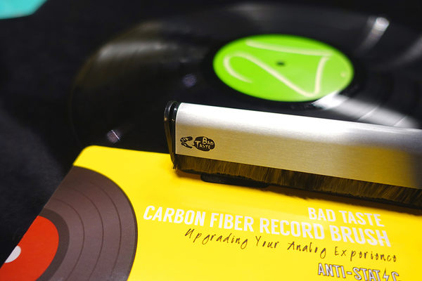 BAD TASTE防靜電膠黑唱片刷 - 碳纖維刷毛 (OS小舖)