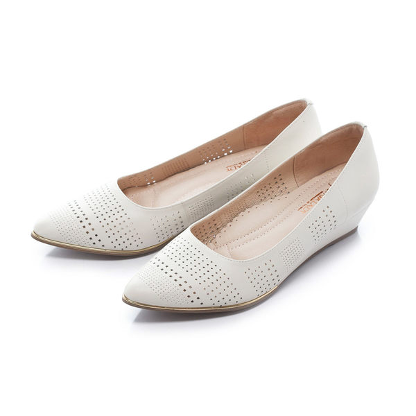 ★春季新品★【Fair Lady】Soft芯太軟 雅緻品味沖孔尖頭楔型鞋-白