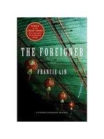 二手書博民逛書店 《The Foreigner》 R2Y ISBN:0312364040│Lin