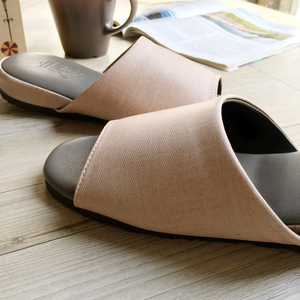 【iSlippers】極致風格-厚跟紓壓皮質室內拖鞋-多色任選輕羽粉M