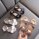 女童涼鞋 女童涼鞋小女孩蝴蝶結公主鞋夏季新款軟底防滑寶寶兒童沙灘鞋-Ballet朵朵