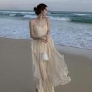 洋裝 法式超仙度假沙灘裙女海南三亞旅游性感露背吊帶荷葉邊連身裙泰國