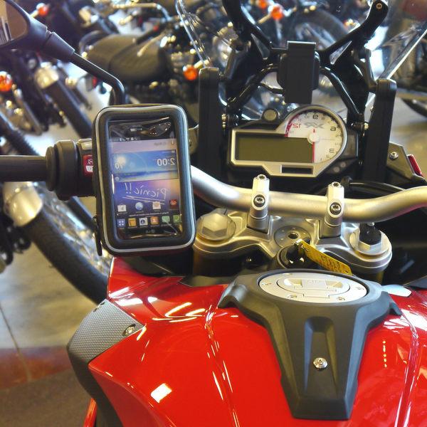 kawasaki sym iphone 6 gogoro x-city x-sense cue AXIS Z勁豪三陽川崎重機車導航摩托車導航機車環島支架機車架