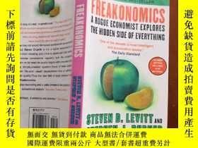 二手書博民逛書店FREAKONOMICS:罕見A Rogue Economist
