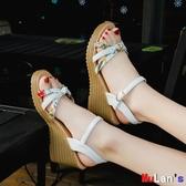 【伊人閣】楔形涼鞋 一字扣 坡跟涼鞋 高跟鞋