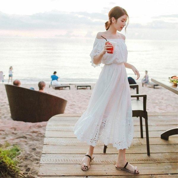 梨卡★現貨 - 女神款度假性感一字領露肩天使白洋裝連身裙長洋裝連身長裙沙灘裙C6226