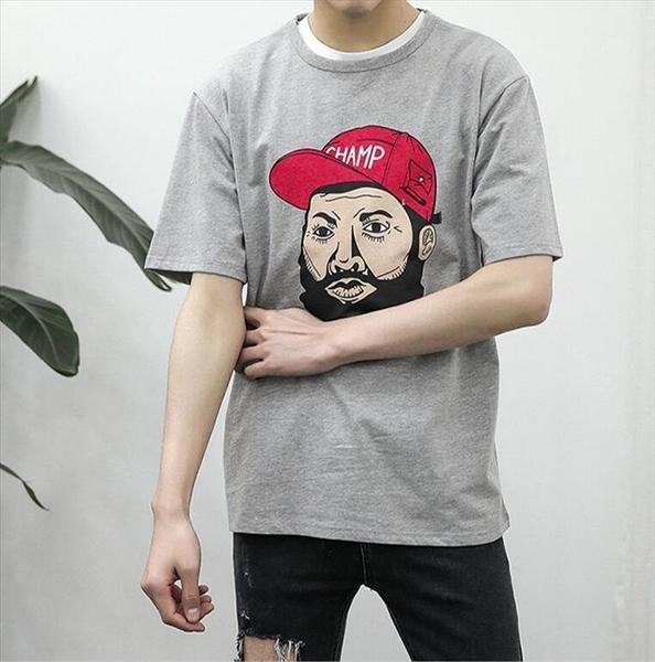 找到自己 時尚潮流 男 日系 休閒 寬鬆 嘻哈人頭印花 短袖T恤 特色T恤
