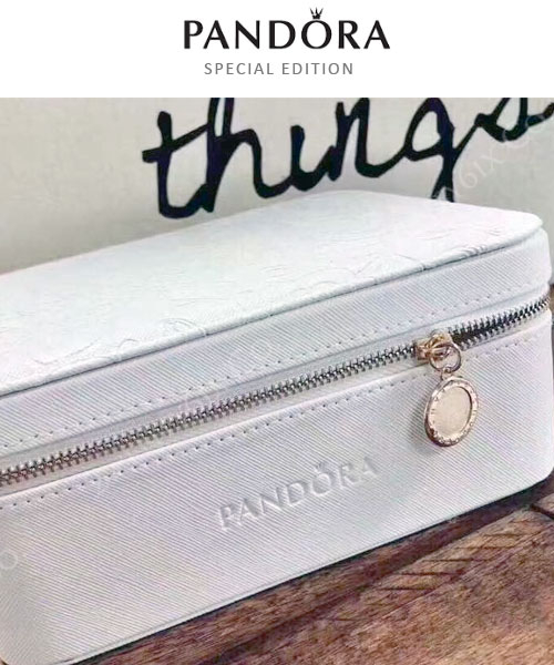 【2wenty6ix】★ 美國正品/限量版/免運  ★ Pandora潘朵拉 迷人白色山茶花 拉鍊珠寶盒 (防氧化) #禮物