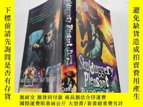 二手書博民逛書店Skulduggery罕見Pleasant Playing With Fire愉快的玩火Y212829