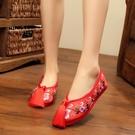 新娘鞋手工繡花婚鞋紅色秀禾鞋子千層底中式平底跟布鞋女 草莓妞妞