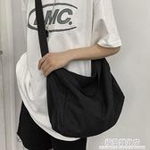 帆布大容量單肩包男女學生上課包休閑日系背包ins潮流手提側背包 極簡雜貨
