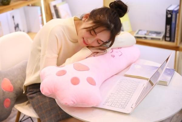 【100公分】貓爪抱枕 貓奴最愛 娃娃 睡覺枕頭 靠墊 生日禮物 兒童節禮物 聖誕節交換禮物