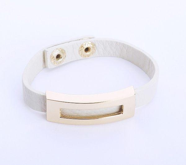 正韓簡約金屬方框皮革手環~夏綠蒂didi-shop