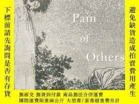 二手書博民逛書店regarding罕見the pain of othersY18
