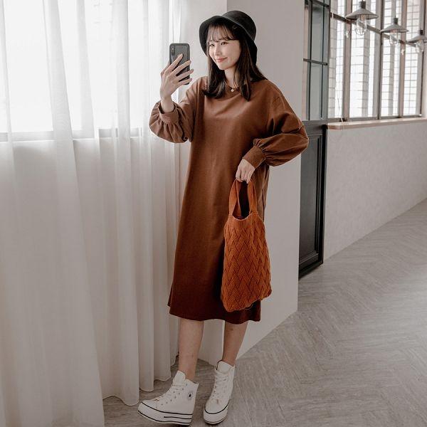 現貨-MIUSTAR 澎澎袖口後U型開衩長版棉質洋裝(共3色)【NH2664】預購
