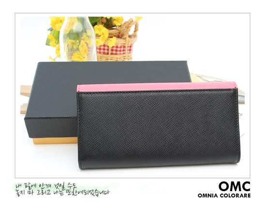 OMC - 專櫃雙色系真皮款兩折式長夾- 粉黑