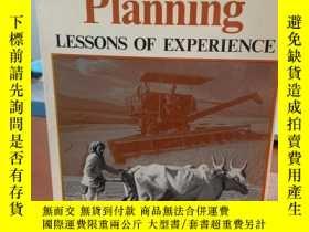 二手書博民逛書店Development罕見planning lessons of experience發展規劃Y405012