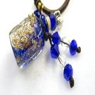 【Ruby工作坊】NO.31B深藍瓶方形透精油雕花瓶中國結項鍊