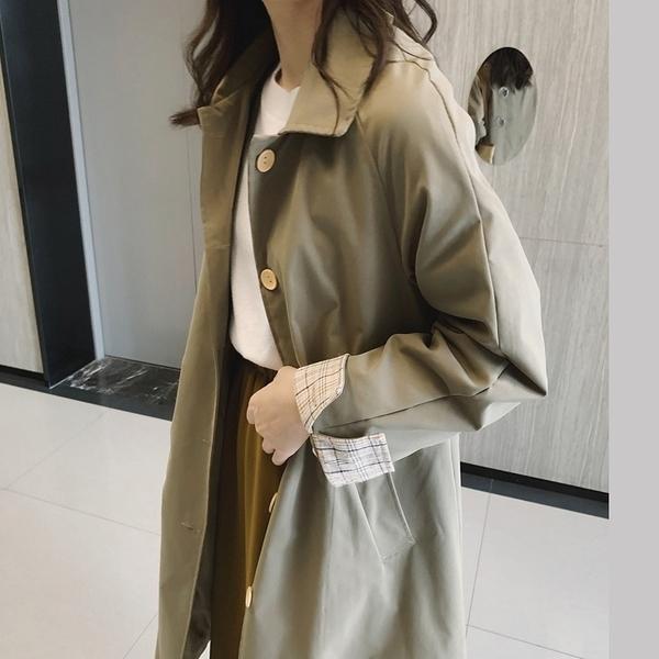 簡約時尚袖口格紋長款風衣外套大衣【82-25-81598-19】ibella 艾貝拉