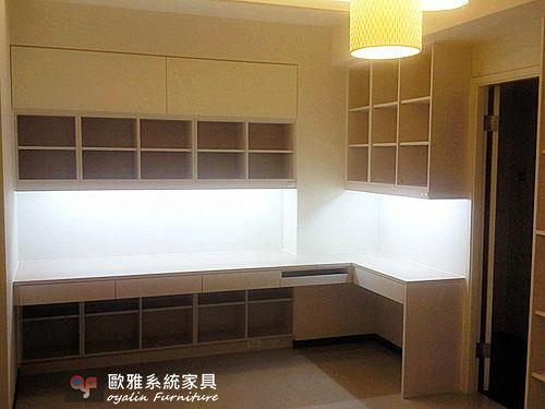【歐雅系統家具】開放書櫃結合書桌