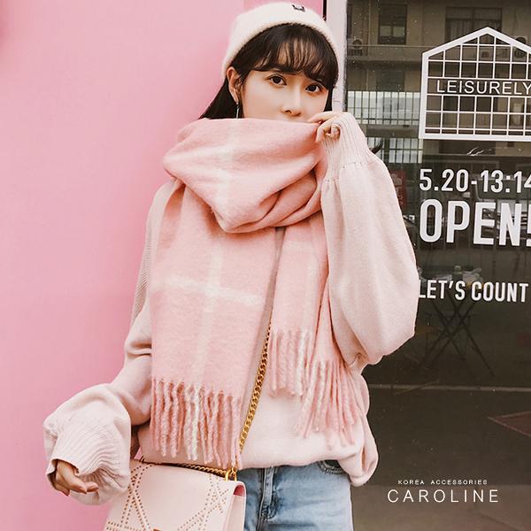 《Caroline》★ 本年度新款秋冬百搭彩色格子仿羊絨披肩  質地細膩舒適柔軟兩用圍巾71728