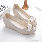 內增高單鞋女2020秋冬新款韓版平底淺口中跟軟皮鞋百搭坡跟豆豆鞋 依凡卡時尚