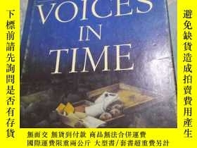 二手書博民逛書店HUGH罕見MACLENNAN VOICES IN TIME 精