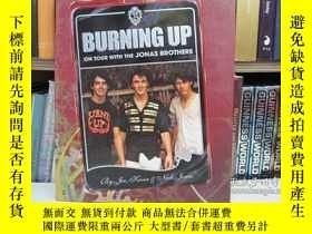 二手書博民逛書店Burning罕見Up: On Tour with the Jo