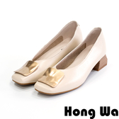 Hong Wa 優雅女伶‧牛皮不規則飾扣V口粗跟包鞋 - 米白