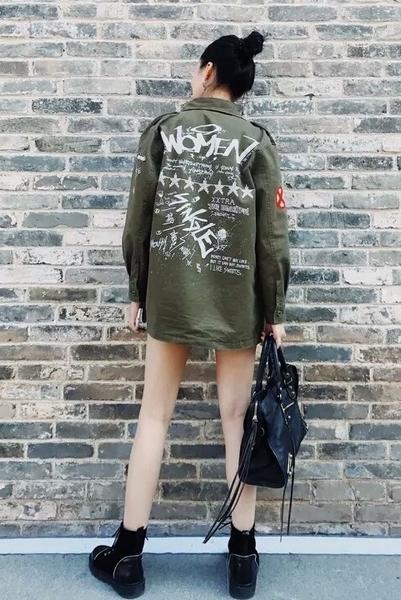 許路兒同款軍綠刺繡印花薄外套襯衫 純棉單排釦軍裝外套/澤米
