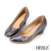 楔型鞋-HERLS 內真皮幻彩亮面楔型鞋-銀黑色