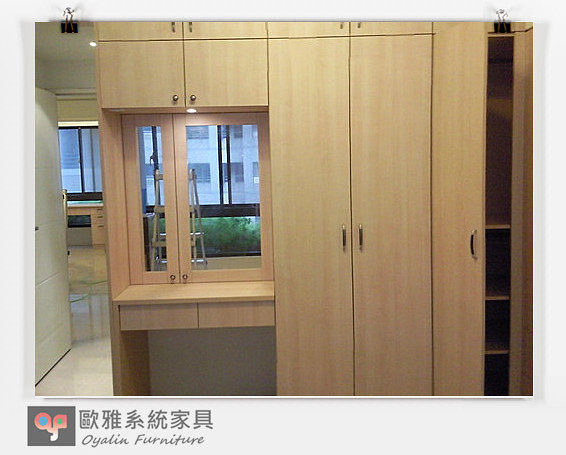 【系統家具】臥室設計 鏡面化妝台+衣櫥床頭櫃