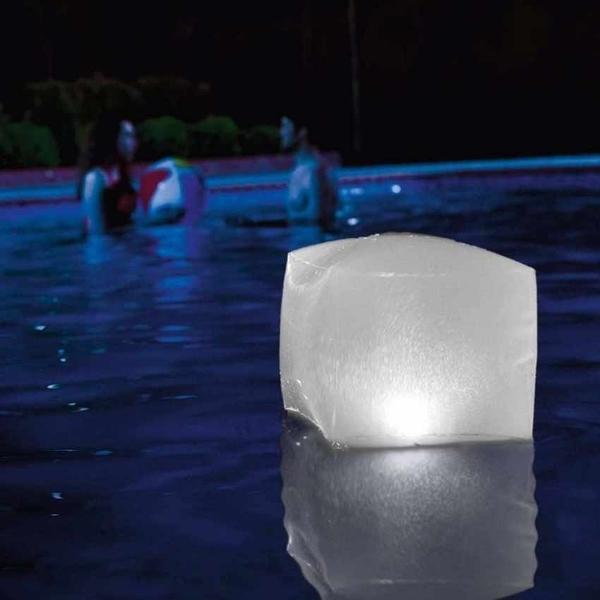 [衣林時尚] INTEX 23 x 23 x 22cm LED水中變幻燈 4個顏色互換 電池自備 28694