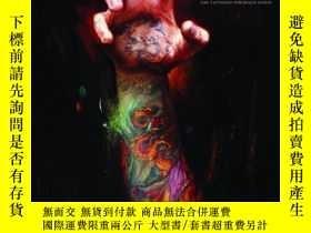 二手書博民逛書店Memoir:罕見The Tattooed Portraits SeriesY360448 Shawn Bar