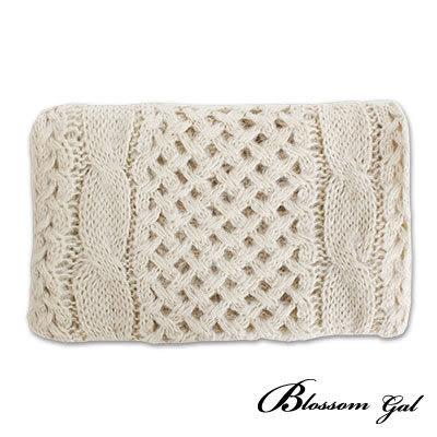 Blossom Gal 溫暖系純色方格簍空厚實長圍巾(共十二色)
