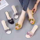拖鞋女外穿仙女風夏新款透明蝴蝶結一字拖露趾水晶中跟細跟高跟鞋 蘿莉新品