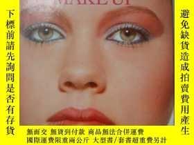 二手書博民逛書店The罕見book of make up 《化妝》 原版精裝10