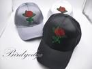 玫瑰 示愛 老帽 緞面 綢緞 帽子 花 刺繡 高品質 日系 帽子 ps 送禮 母親節代表 潮流專屬配件 免運