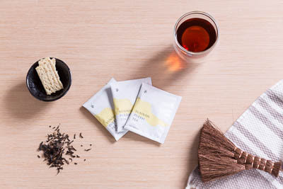 【小葉覓蜜 X 超值組合】花蓮舞鶴毫香蜜綠茶茶包60入 + 雲南頂級普洱茶茶包60入