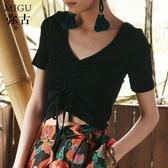女黑色t恤針織短款短袖夏露臍短V領抽繩褶皺小心機度假上衣打底衫