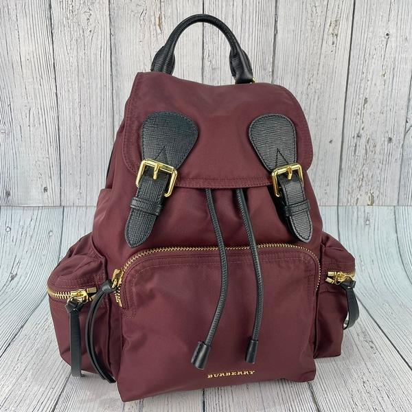 BRAND楓月 BURBERRY 巴寶莉 4016621 梅紅款 尼龍材質 後背包 中款 背包 書包