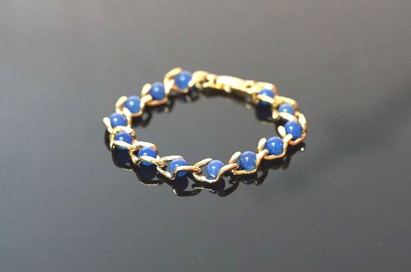 藍玉髓,象徵希望、理想、獨立,熱情中帶著堅定與智能。A392