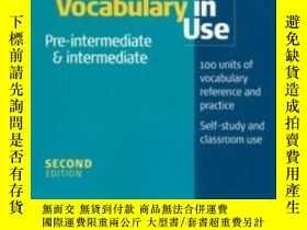 二手書博民逛書店English罕見Vocabulary In Use Pre-intermediate And Intermedi