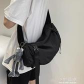 日系機能工裝包男斜挎包大容量單肩包運動背包潮男生包包『小淇嚴選』