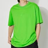 Nike AS NSW Tee Premium Essential 男 蘋果綠 刺繡 休閒 短袖 DB3194-304