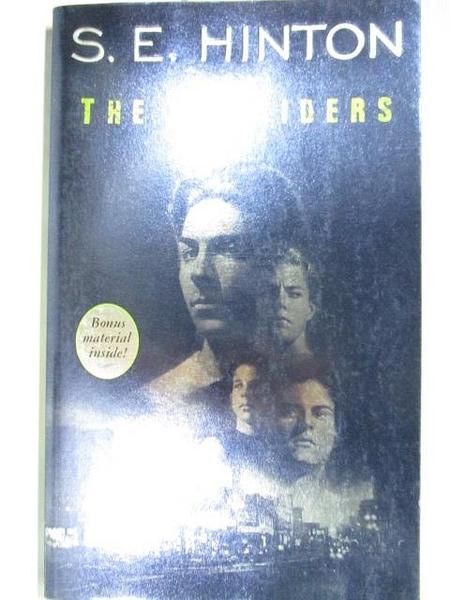 【書寶二手書T9/原文小說_AYA】The Outsiders_S.E.Hinton