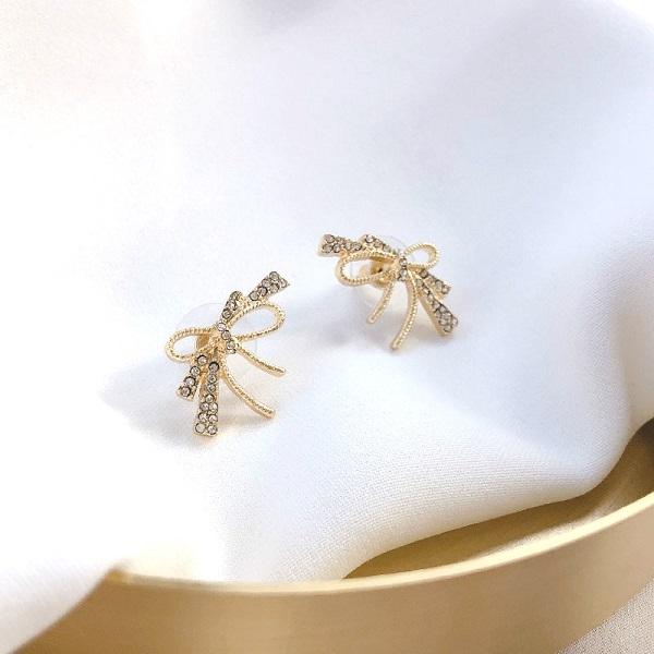 【NiNi Me】耳環 氣質甜美蝴蝶結水鑽夾式耳環 耳環 N0515