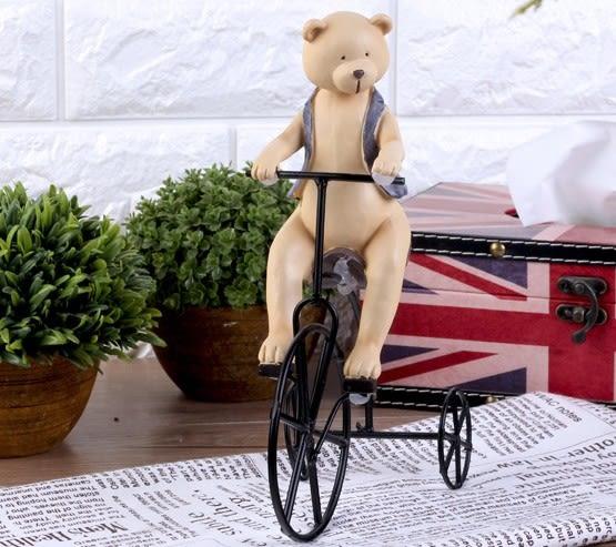 [協貿國際]可愛小熊騎單車擺飾 單個價