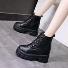 馬丁靴女內增高10cm女鞋2021秋冬新款英倫風短靴厚底坡跟黑色皮靴 伊蘿